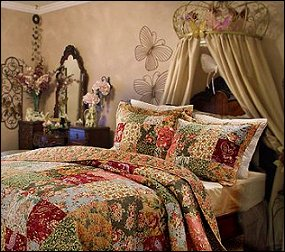 floral prints combined with paisleys the intricate design of the antique chic quilt bedding collection - Old Style Bedroom Designs